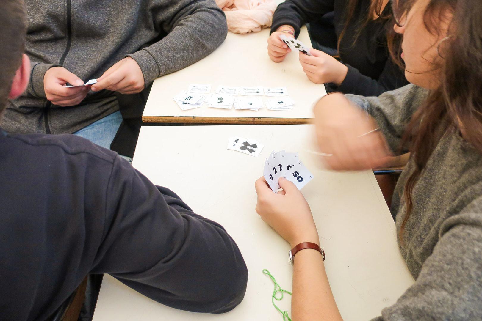 Foto di studenti che prendono appunti